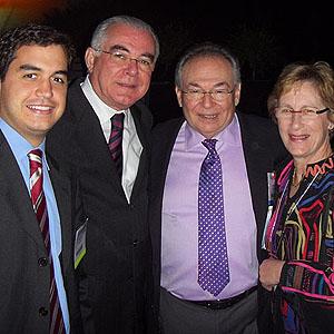 Henrique Padilha, Miguel Padilha, casal Howard e Victoria Fine (Eugene, Oregon, USA)