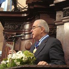 M. Padilha fazendo seu pronunciamento da Tribuna da ALERJ.